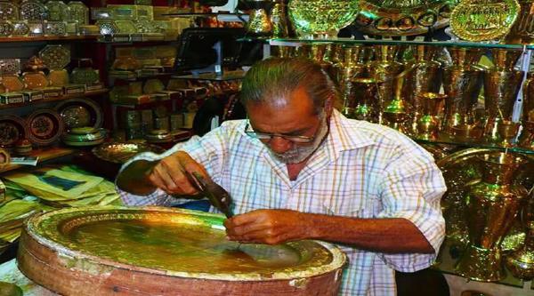 Sculture in ferro tradizionali egiziane.