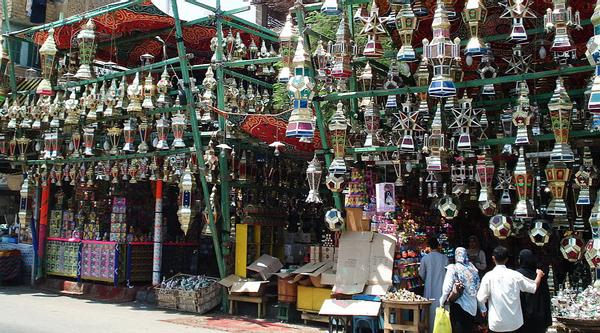 Продажа фонариков на Рамадан
