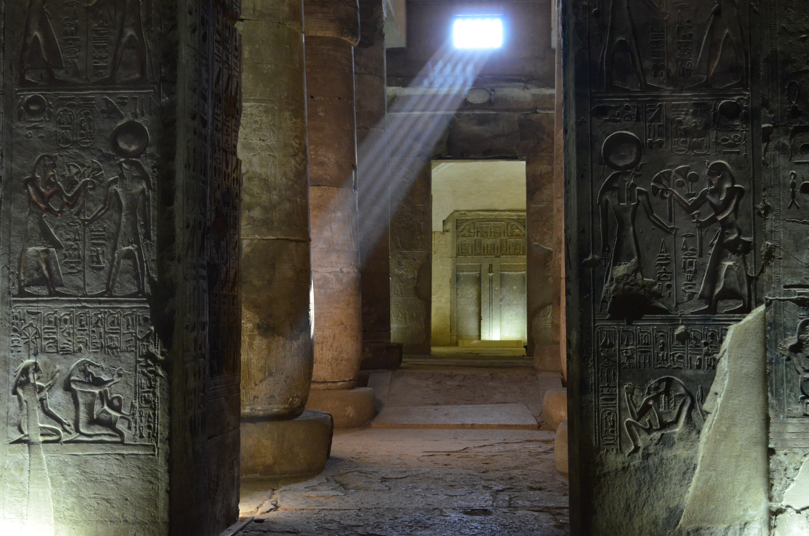 Abydos temple from inside