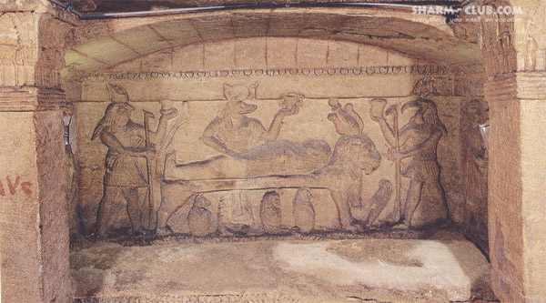 Главный саркофаг в катакомбах Ком аль-Шукафа