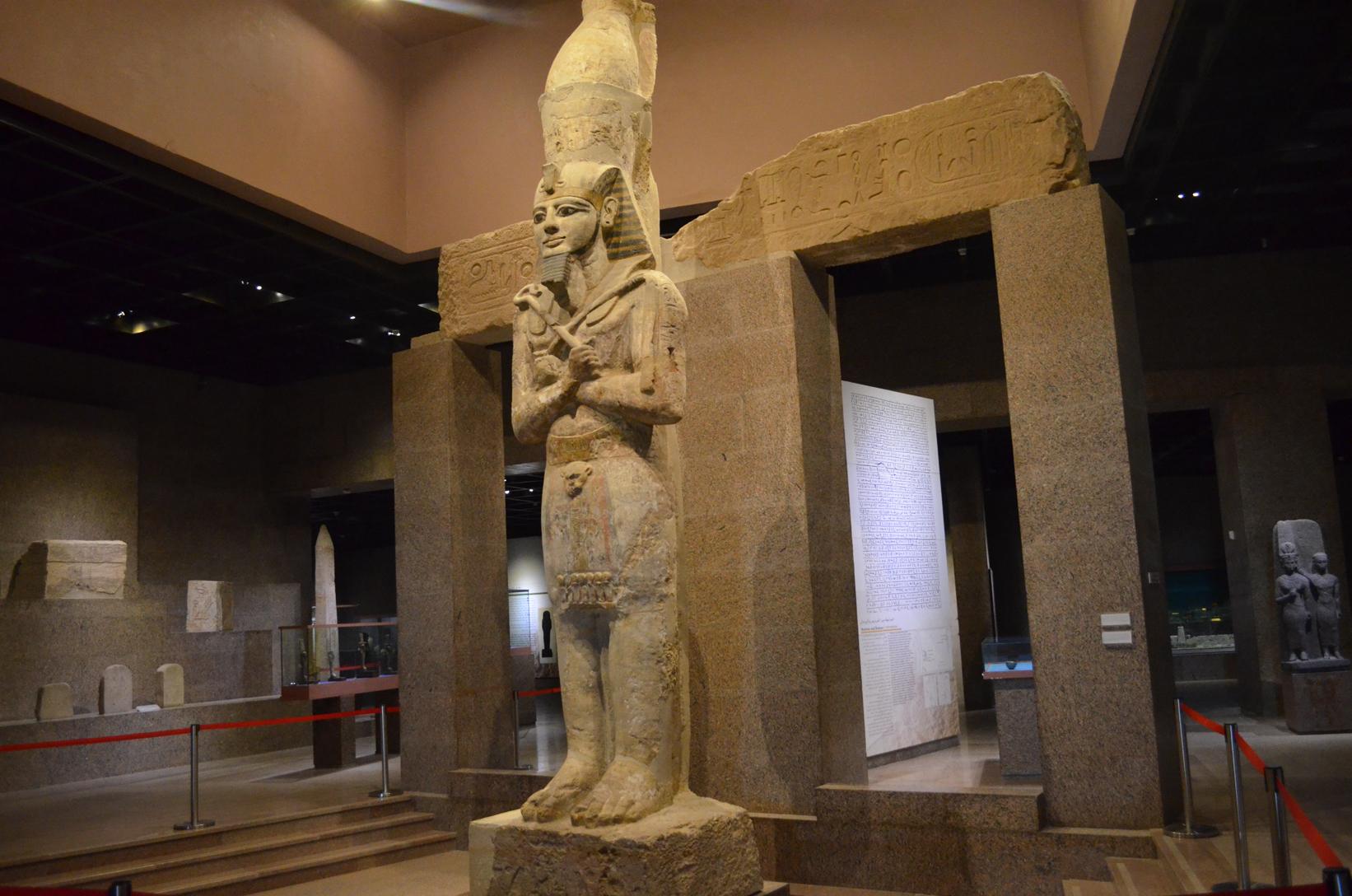 Статуя Рамзеса II в музее Нубии