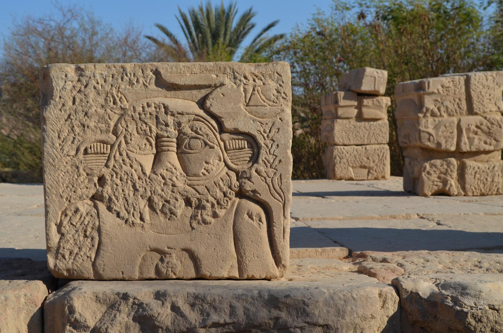 Древнеегипетский бог Бес