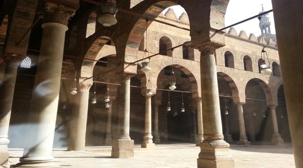 Внутренний двор мечети аль-Насир Мухаммеда