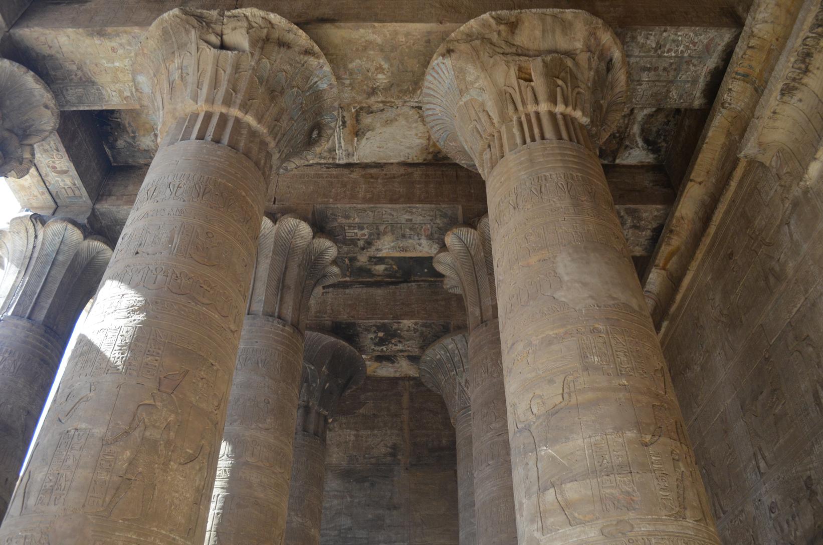 Tempio di Edfu bellissimo soffitto
