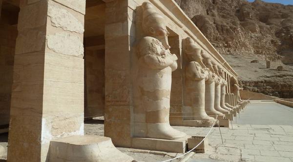 Deir el Bahari temple Birth colonnade.