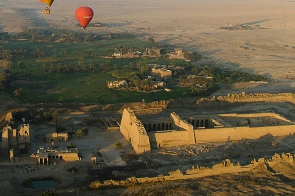 Balloon rides in Luxor