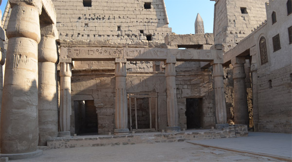 Chapels inside Luxor temple.
