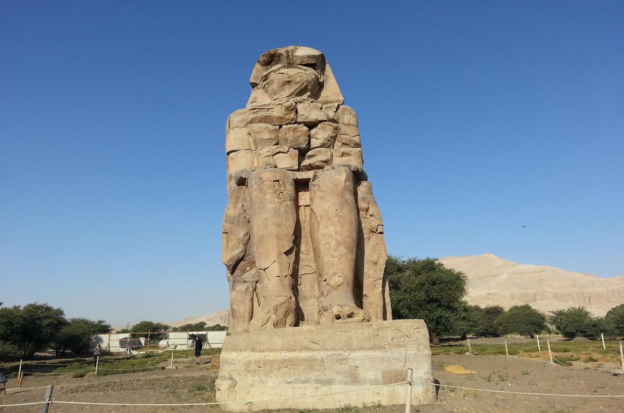 Memnon Colossus, Luxor