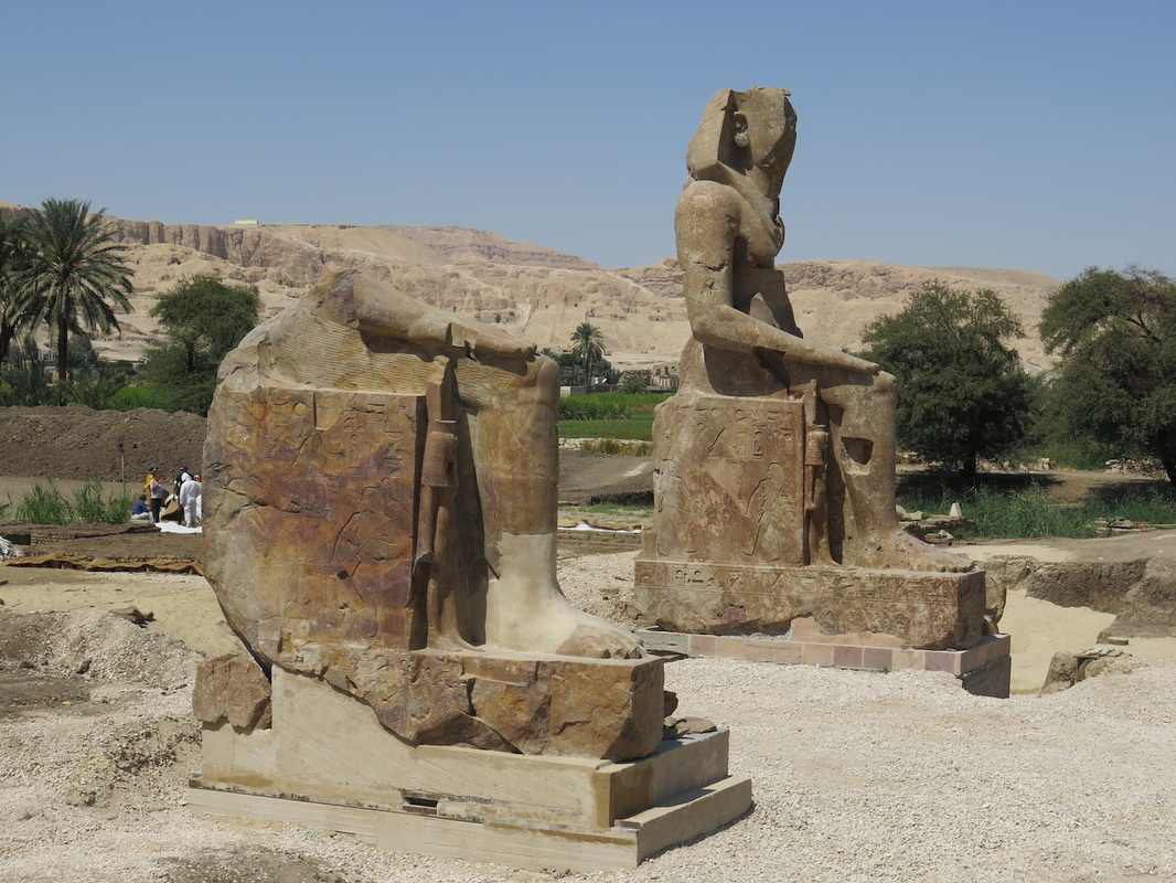 New sitting colossi of Memnon, Luxor