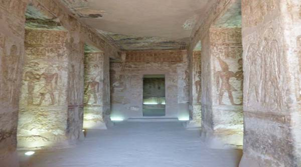 Inside el-Derr temple