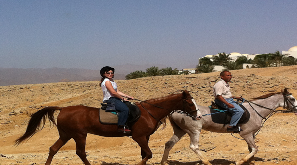 Excursion to the desert to ride horses