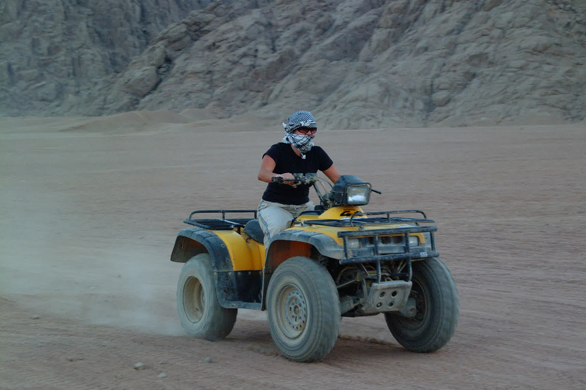 Viaggio safari desertico in quad