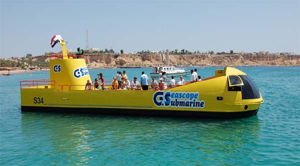 Semi-submarine at Sharm el Maya jetty