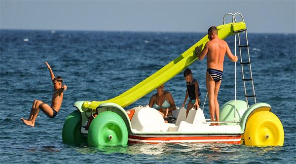 Sharm el Sheikh pedalo ride