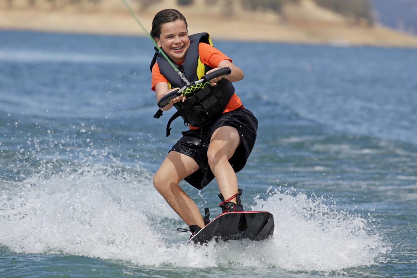 Practice water skiing in Sharm-el-Maya