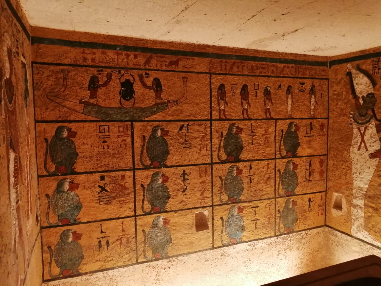 Inside the tomb of Tutankhamon