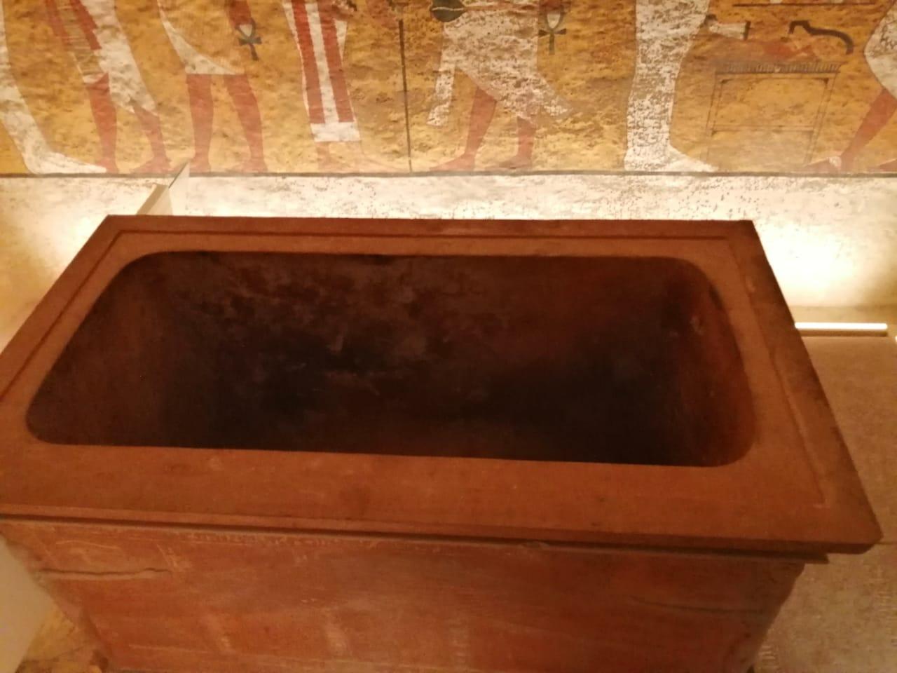 Внутри гробницы Тутанхамона
