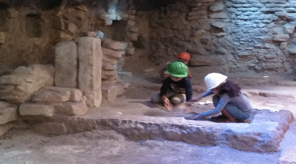 Young archeologists.