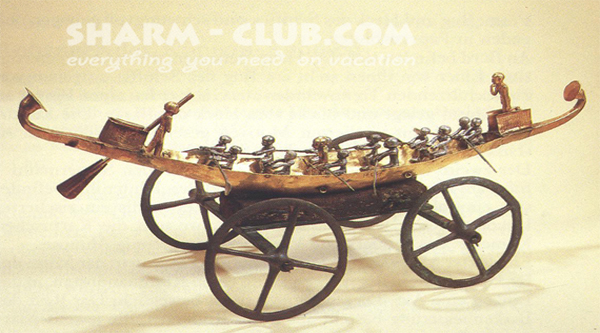 Bark upon a chariot - artifact from the museum.