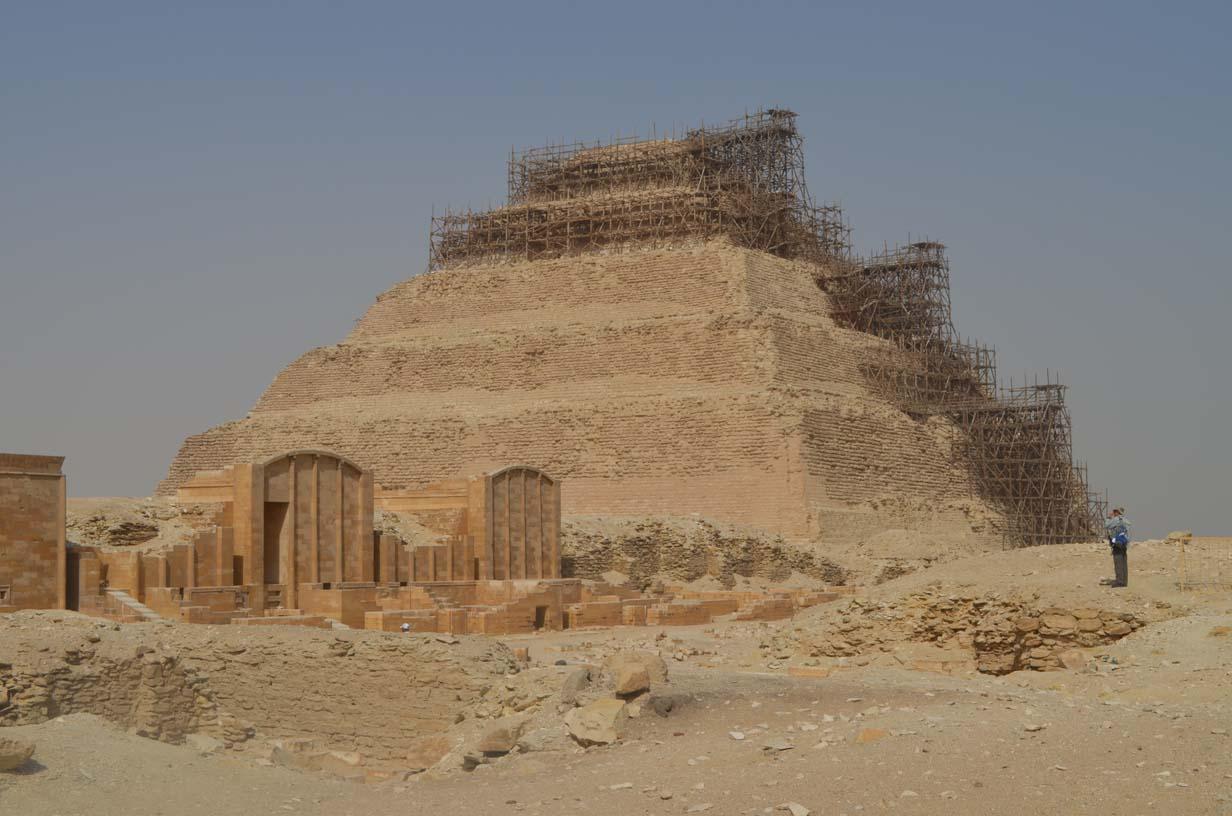 Ступенчатая пирамида царя Джосера в Саккаре