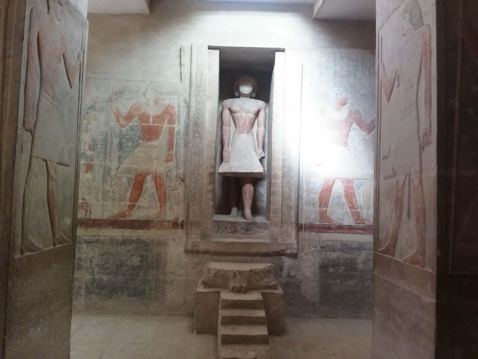 Внутри гробницы Мереруки, Саккара