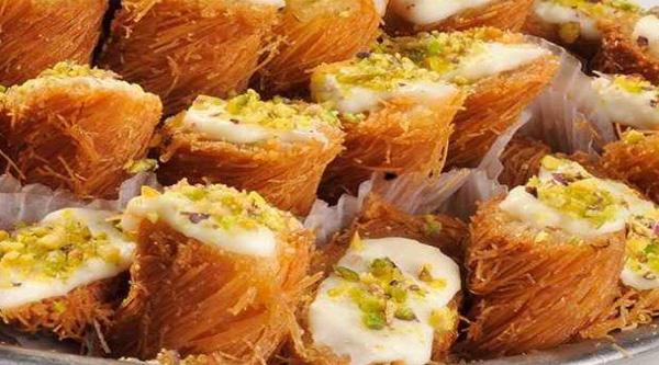 Kanafeh with cream - Egyptian desserts